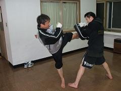 s-kick3735.jpg